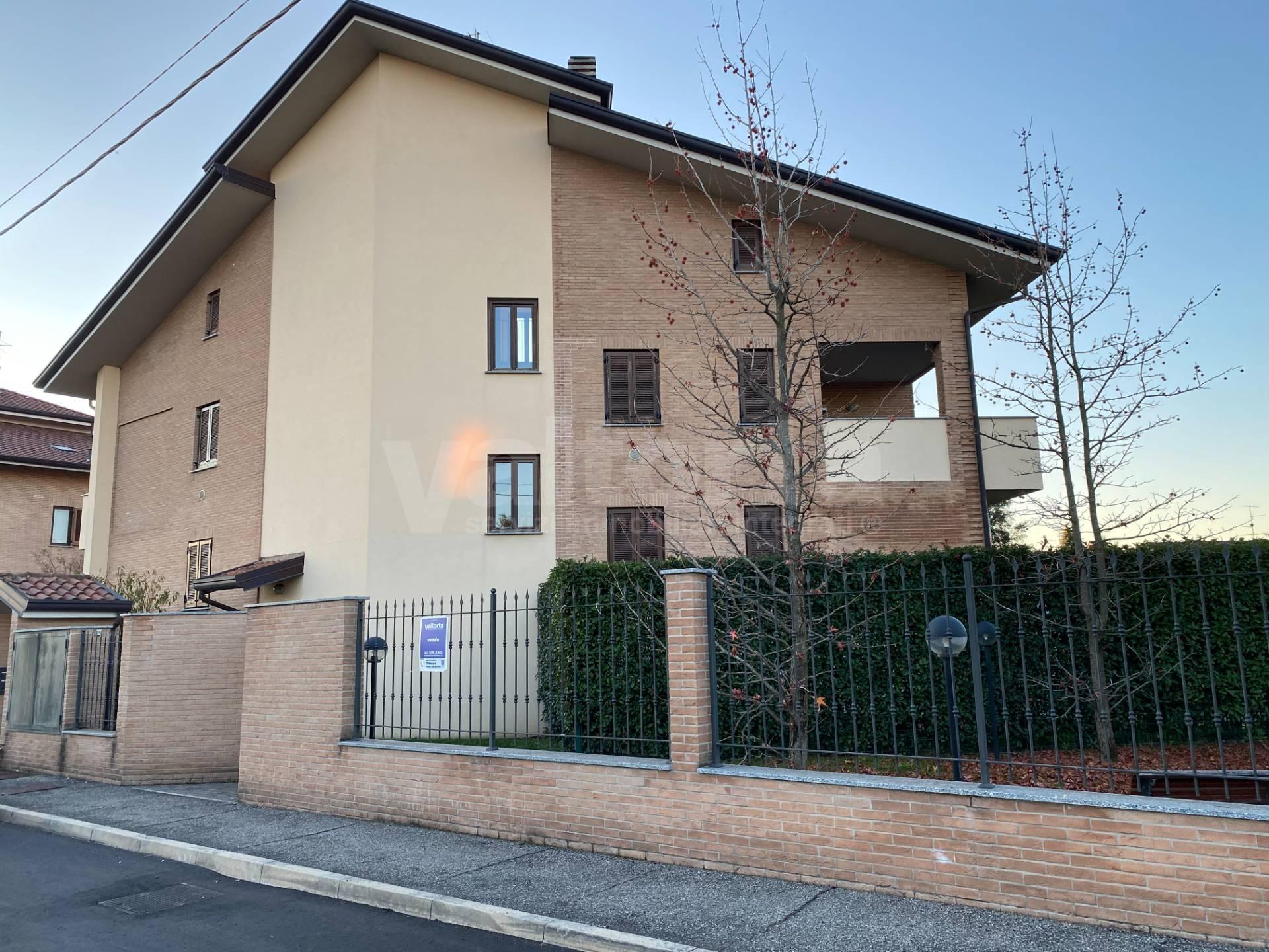 Appartamento in vendita a Misinto, 3 locali, prezzo € 211.000 | PortaleAgenzieImmobiliari.it