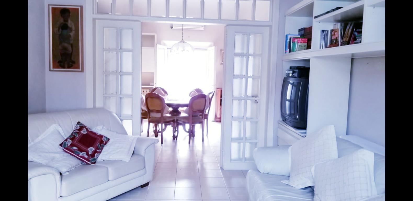 vendita villa viareggio   425000 euro  9 locali  120 mq