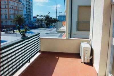 Appartamento in Affitto a Viareggio