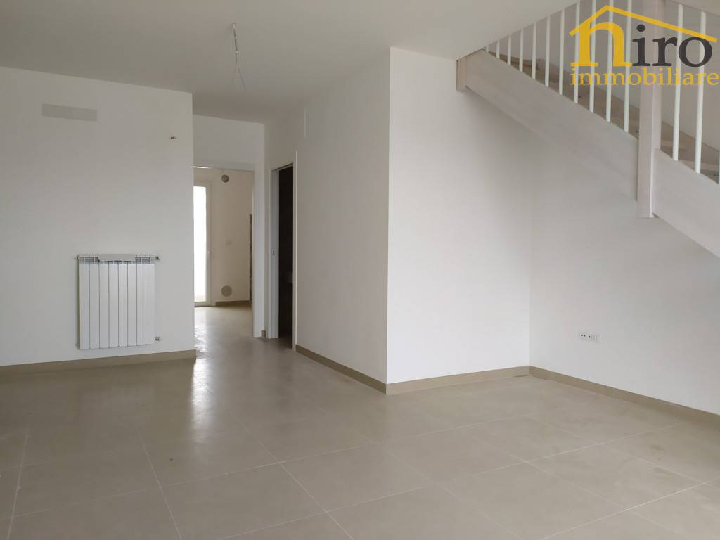Appartamento in vendita a Francavilla al Mare, 3 locali, prezzo € 185.000 | CambioCasa.it