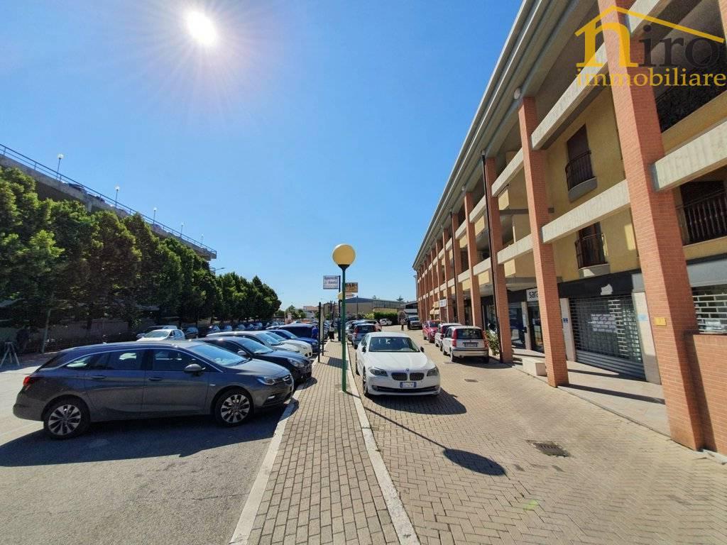 Box / Garage in vendita a Pescara, 1 locali, zona Località: ZonaOspedale, prezzo € 30.000 | CambioCasa.it