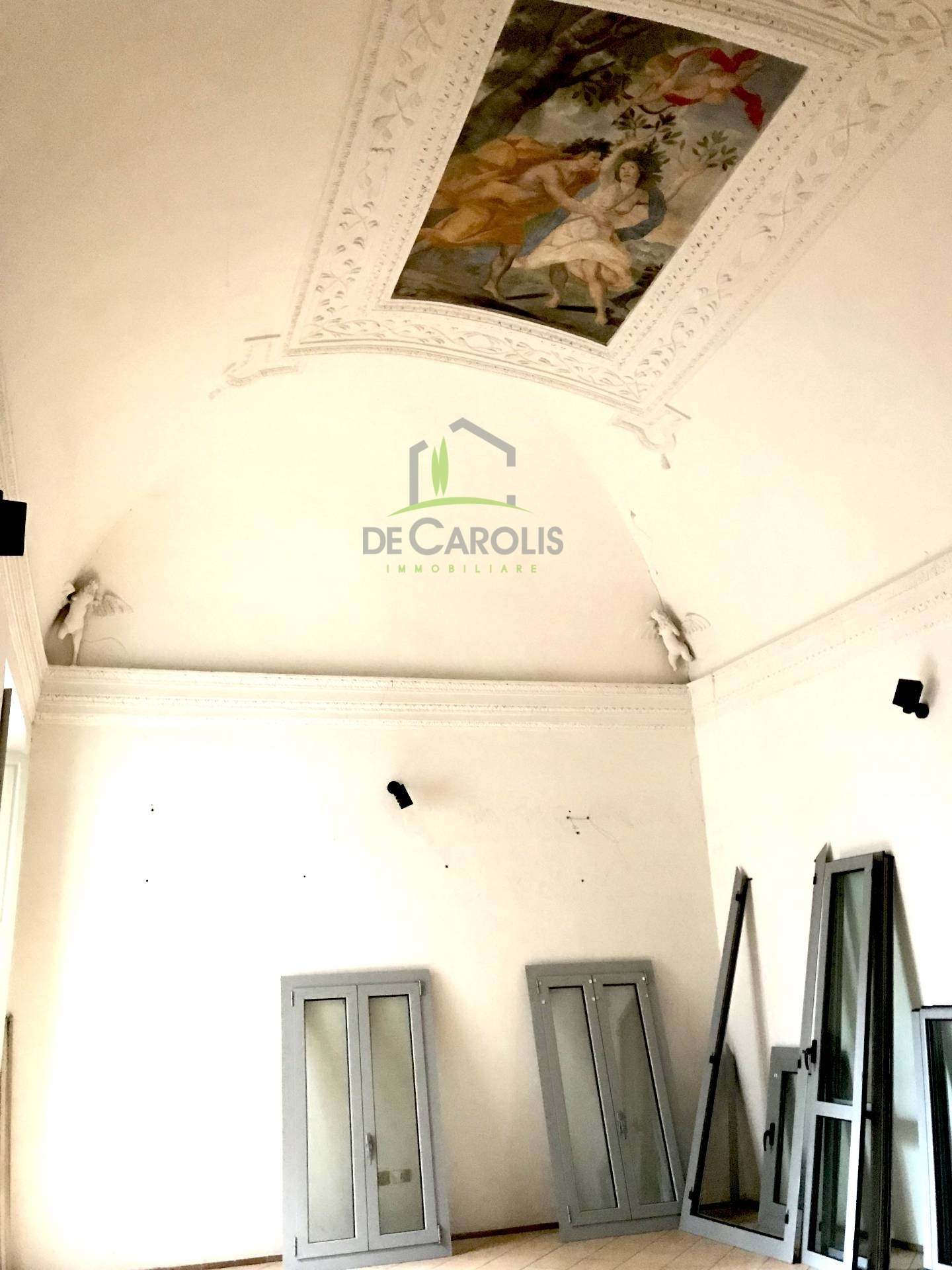 Ufficio / Studio in affitto a Ascoli Piceno, 9999 locali, zona Località: CentroStorico, prezzo € 1.200 | CambioCasa.it