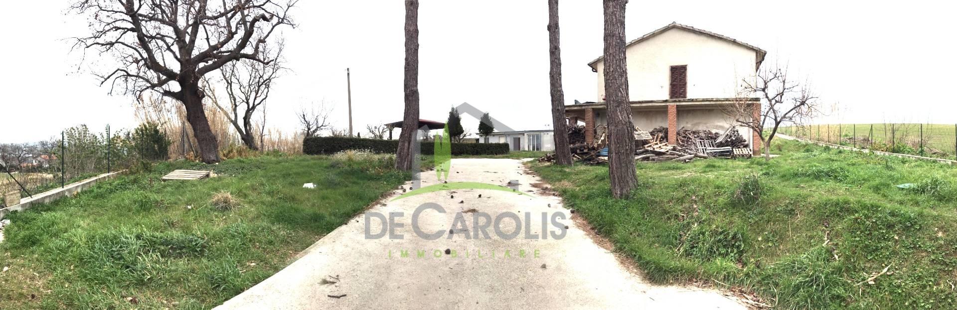 Villa in affitto a Appignano del Tronto, 10 locali, Trattative riservate | CambioCasa.it