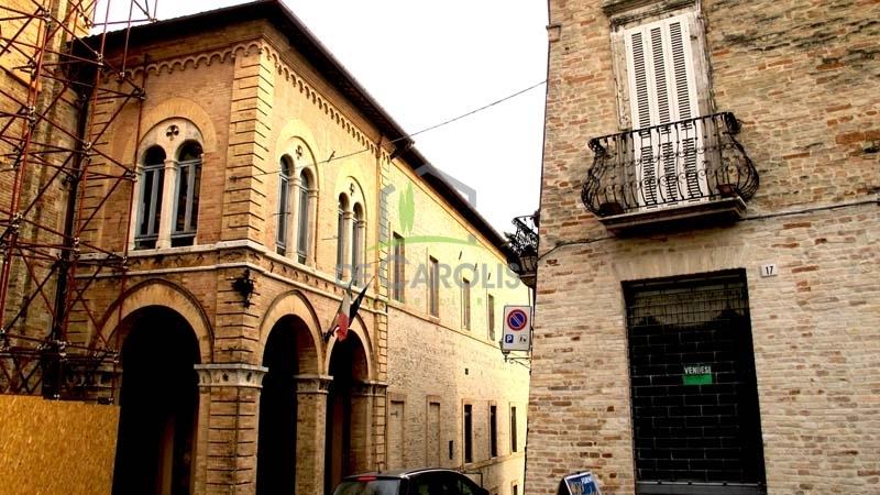 Magazzino in vendita a Offida, 2 locali, prezzo € 30.000 | CambioCasa.it