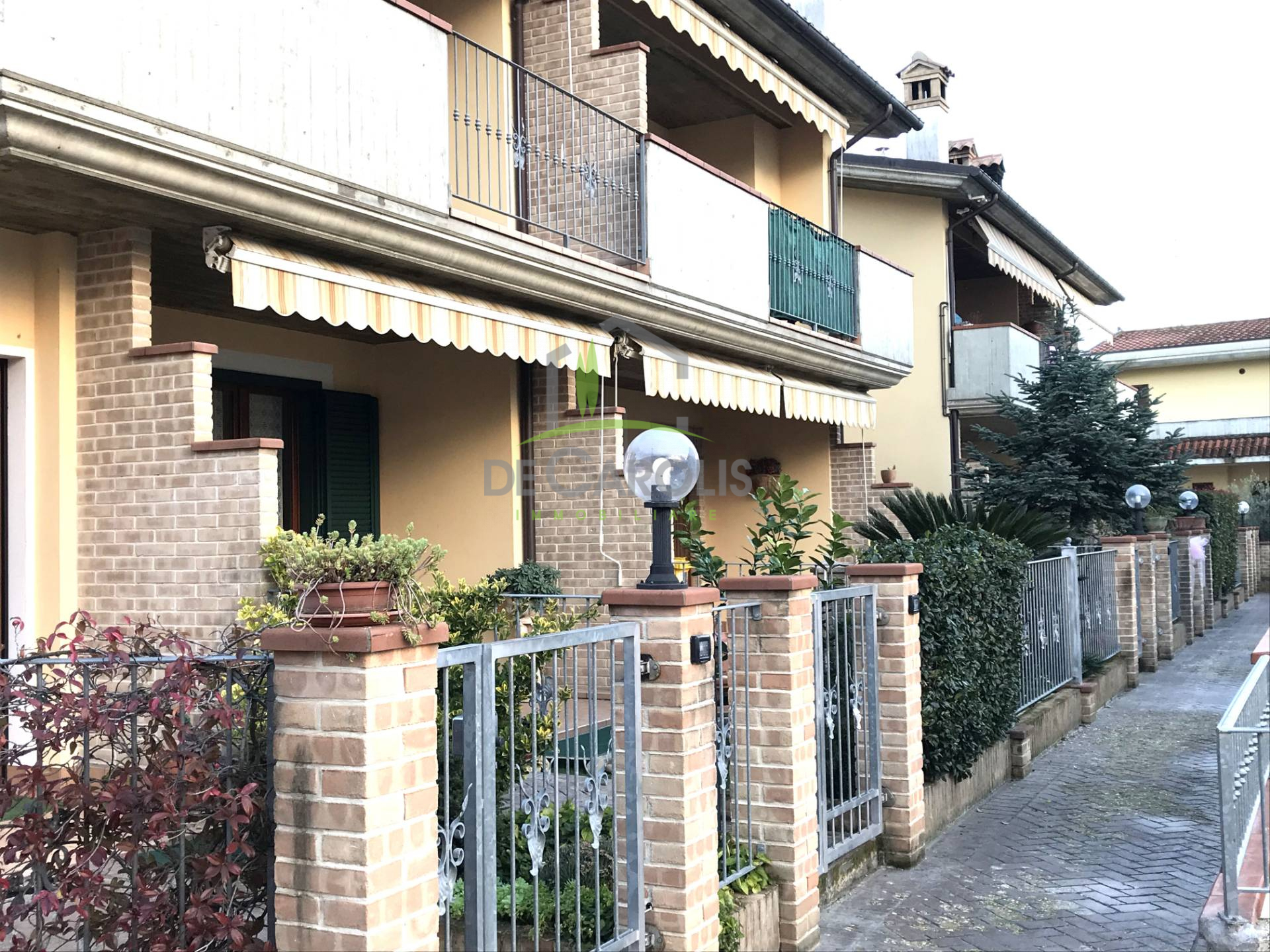 Appartamento in vendita a Folignano, 8 locali, zona Località: PianediMorro, prezzo € 165.000 | PortaleAgenzieImmobiliari.it