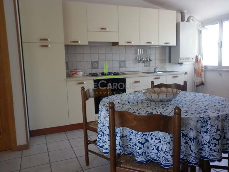 Appartamento in vendita a Appignano del Tronto, 6 locali, prezzo € 77.000   CambioCasa.it