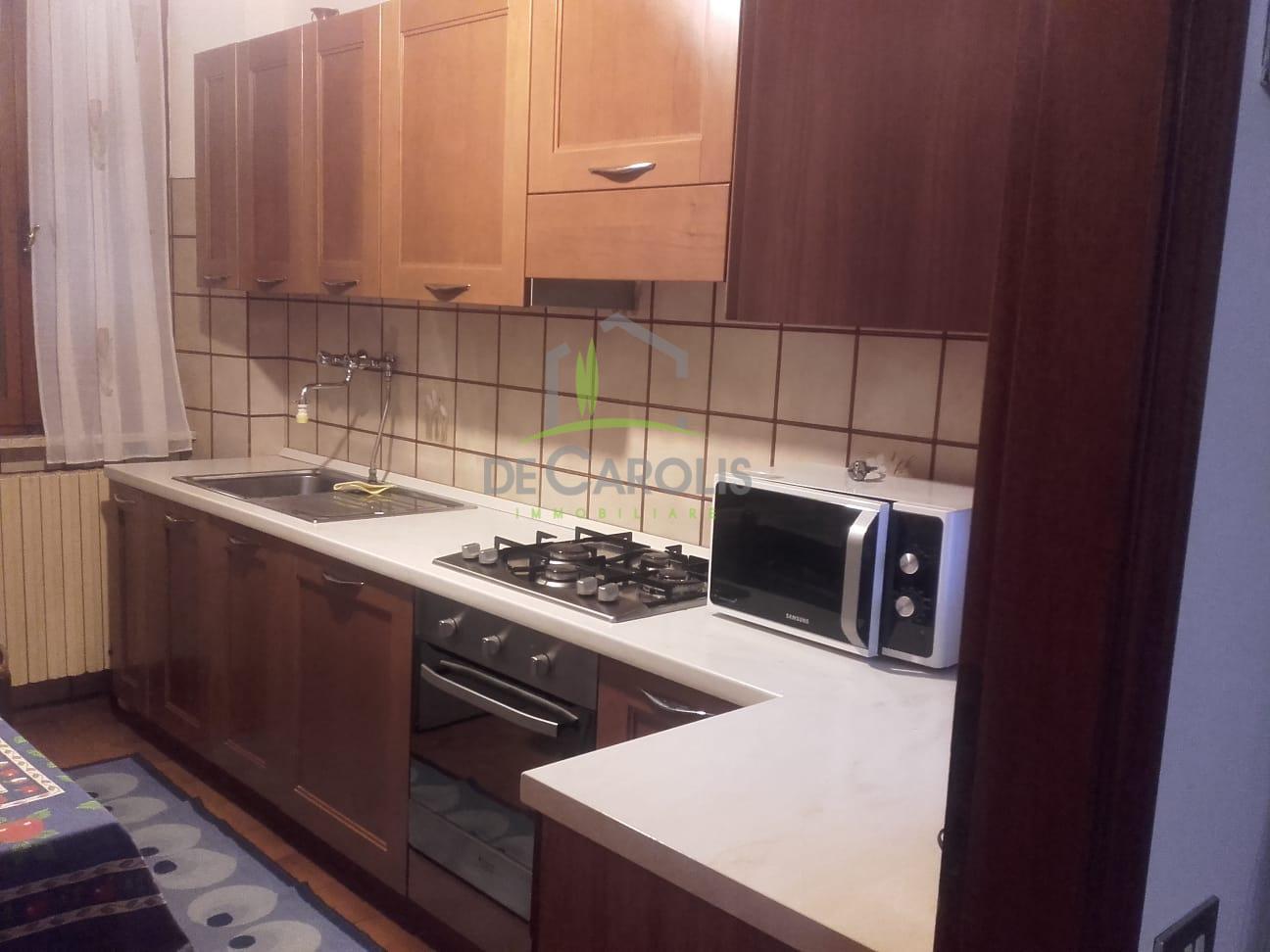 Appartamento in affitto a Ascoli Piceno, 6 locali, zona Località: CentroStorico, prezzo € 500 | CambioCasa.it