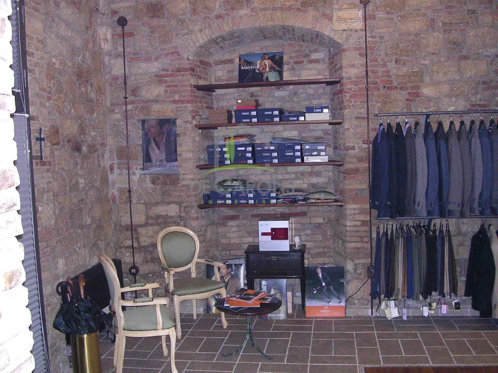 Fondo commerciale in vendita a Ascoli Piceno (AP)