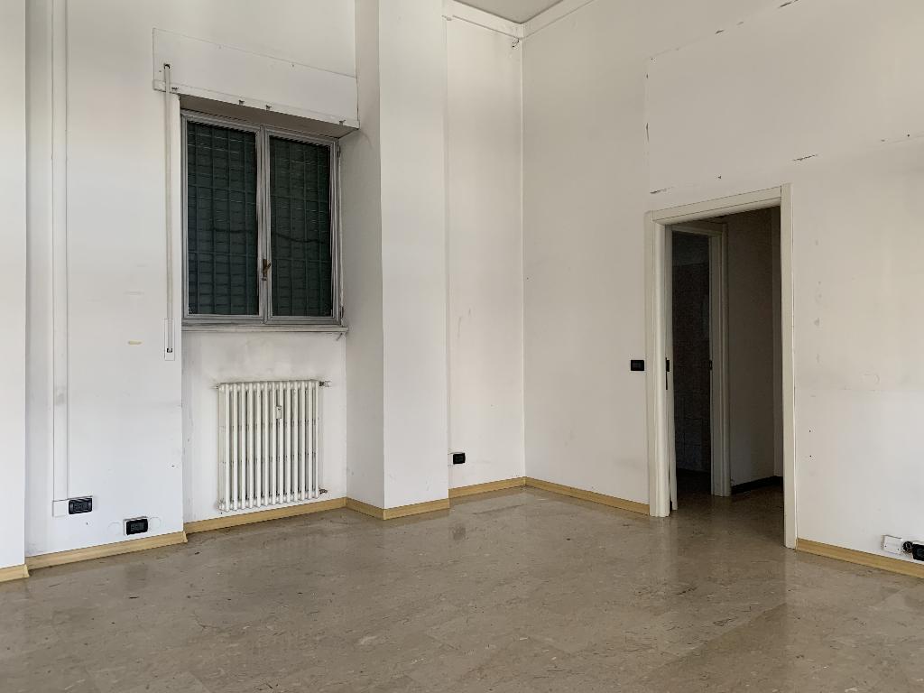 Negozio in Affitto a Sesto San Giovanni  rif. 533
