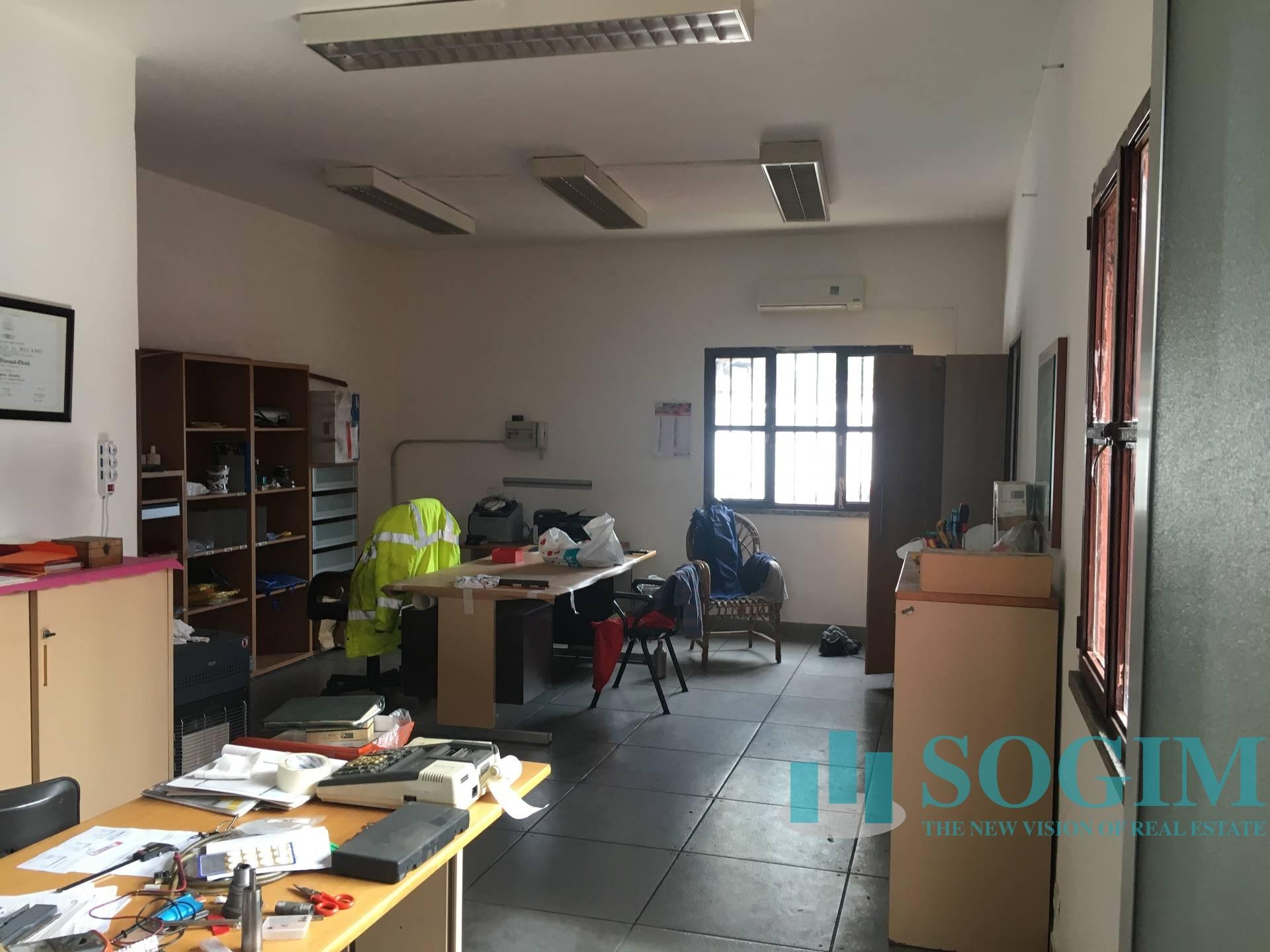 Capannone in Vendita a Pieve Emanuele  rif. 8063