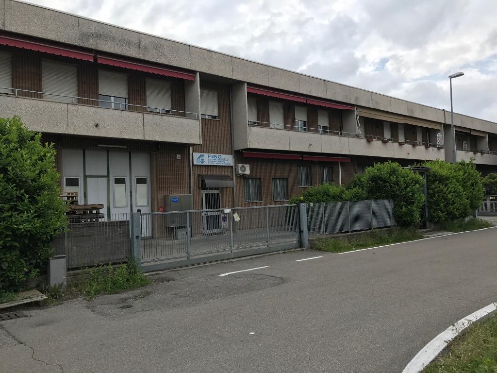 Capannone in Affitto a Saronno  rif. 9000