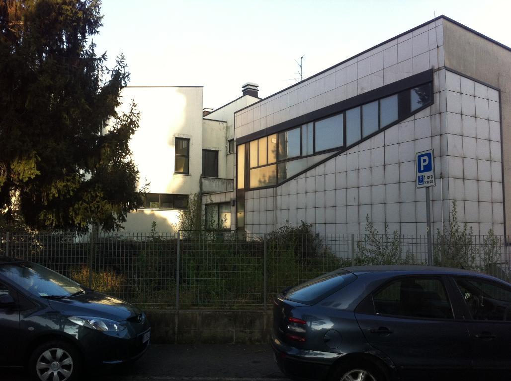 Capannone in Vendita a Gerenzano  rif. 9041