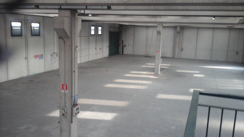 Capannone in Affitto a Inveruno  rif. 9048