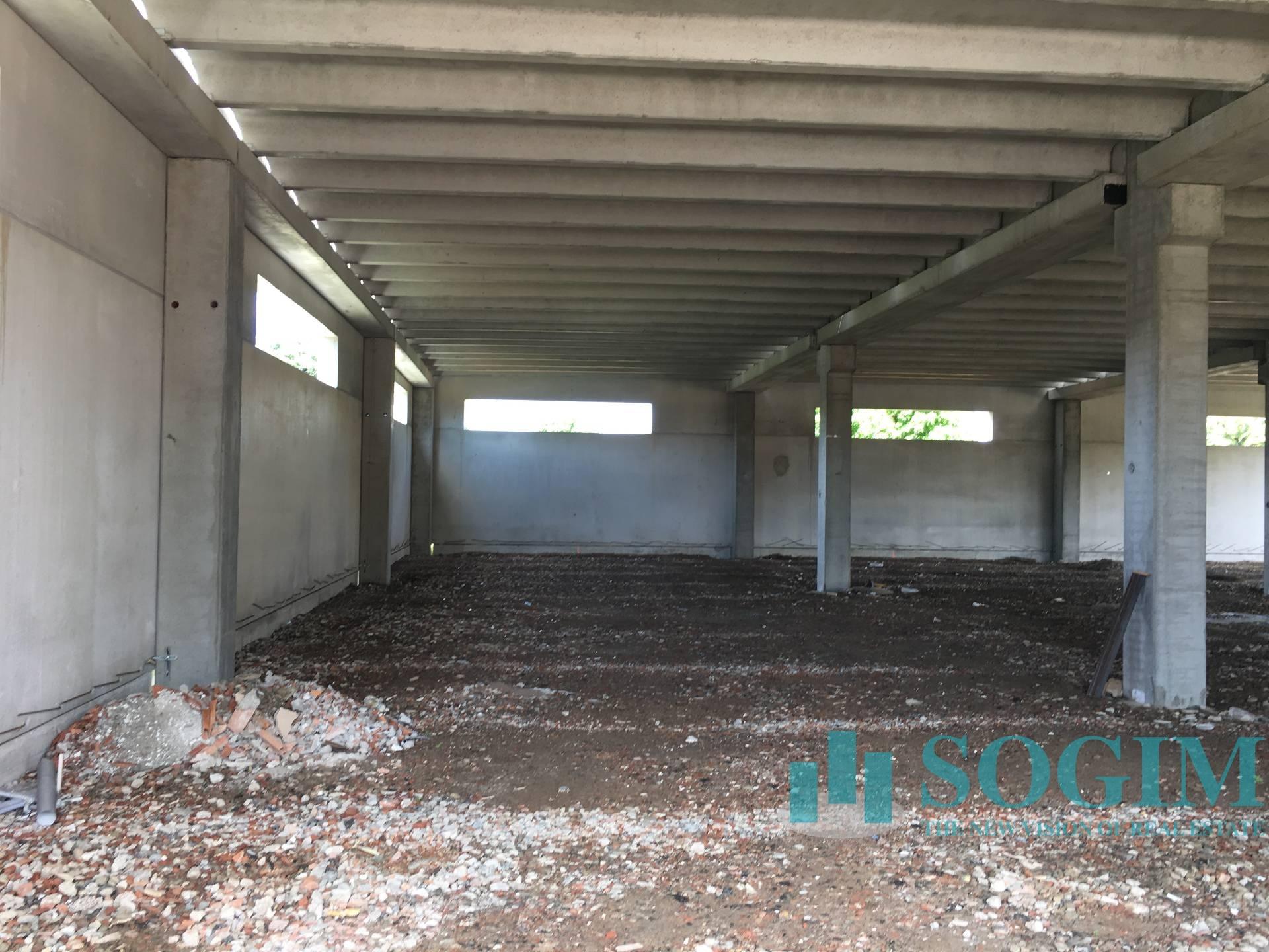 Immobile Commerciale in Affitto a Albavilla  rif. 9107