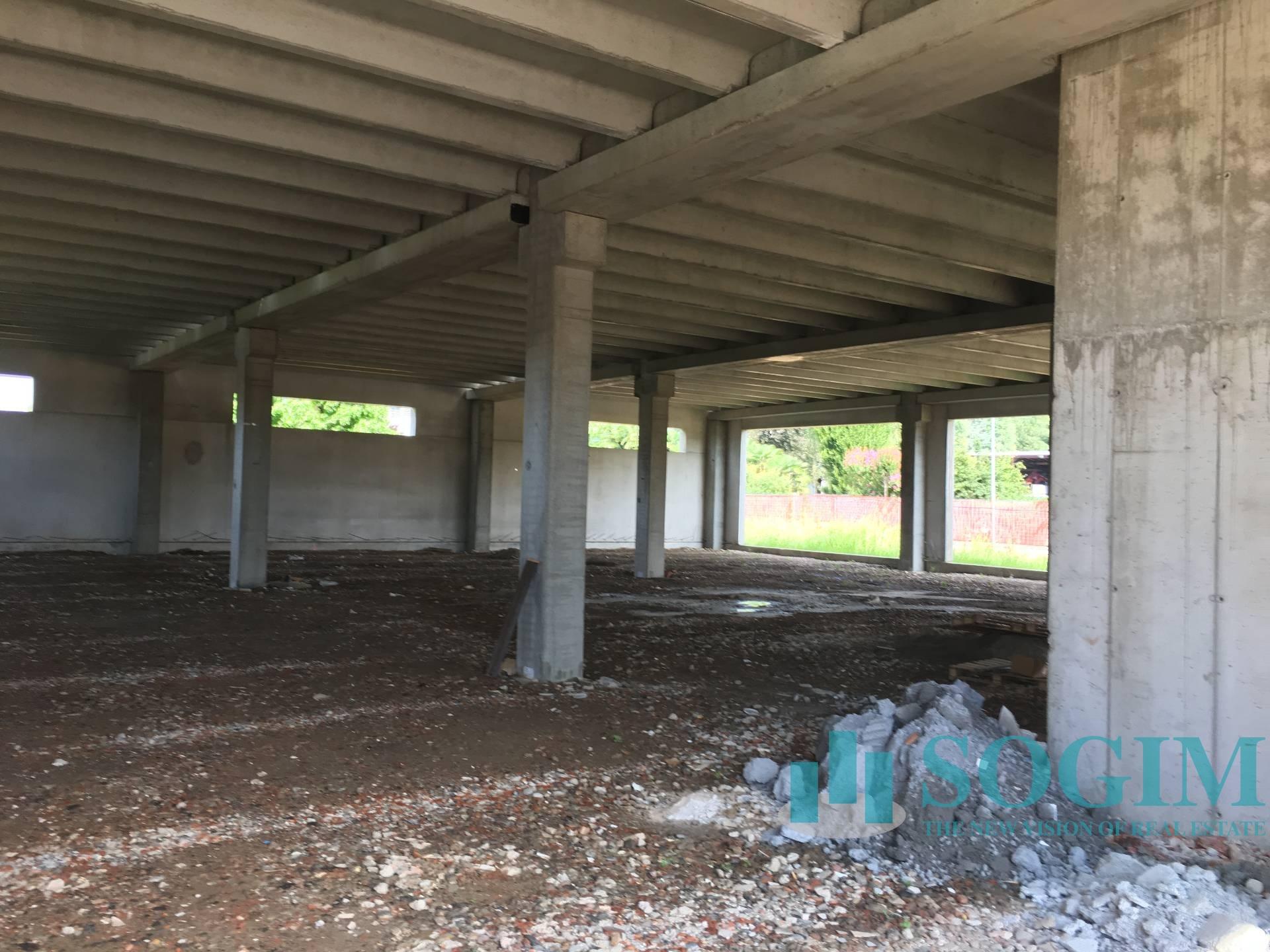 Immobile Commerciale in Affitto a Albavilla  rif. 9108