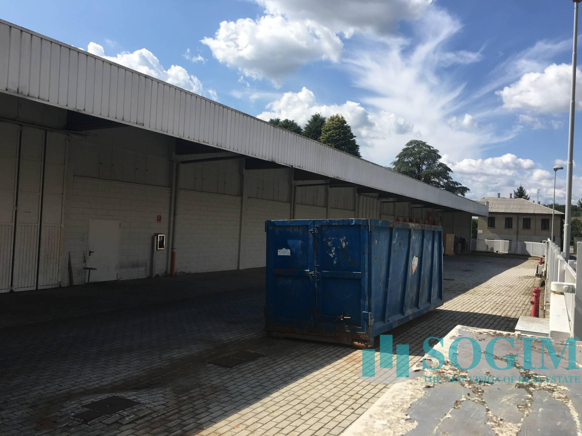 Immobile Commerciale in Vendita a Carugo  rif. 9168