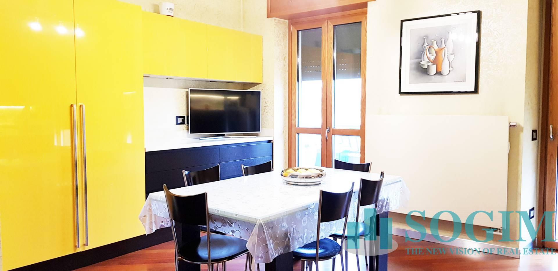 Attico / Mansarda in vendita a Sesto San Giovanni, 5 locali, Trattative riservate | PortaleAgenzieImmobiliari.it