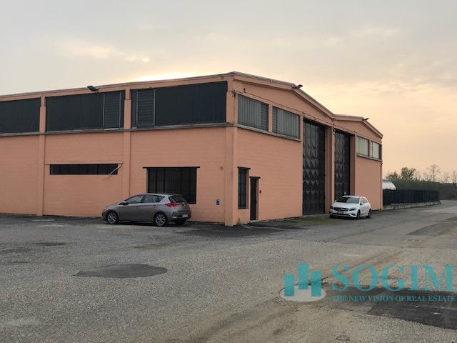 Capannone in Affitto a Vellezzo Bellini  rif. 9438