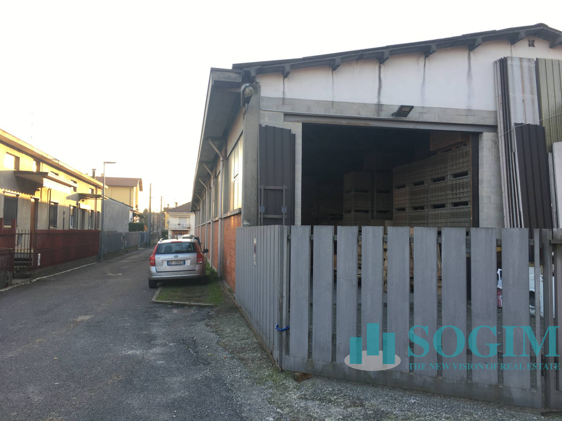 Capannone in Vendita a Meda  rif. 9456
