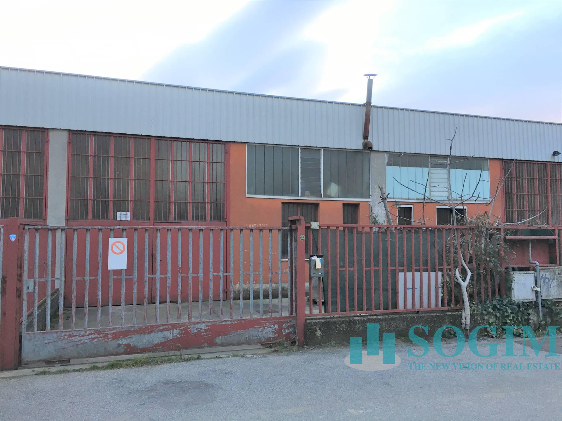 Capannone in vendita a Pieve Emanuele, 9999 locali, prezzo € 145.000 | PortaleAgenzieImmobiliari.it