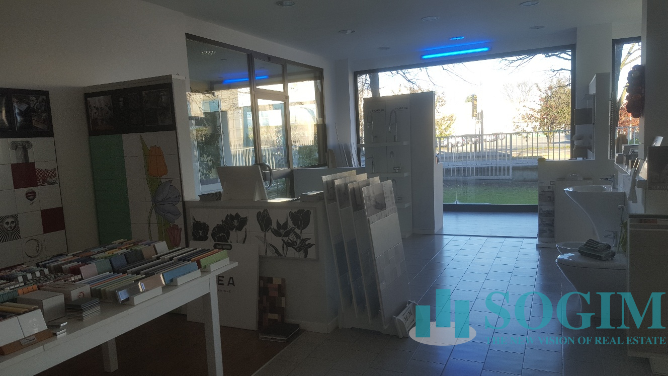 Immobile Commerciale in Vendita a Cavenago di Brianza  rif. 9534
