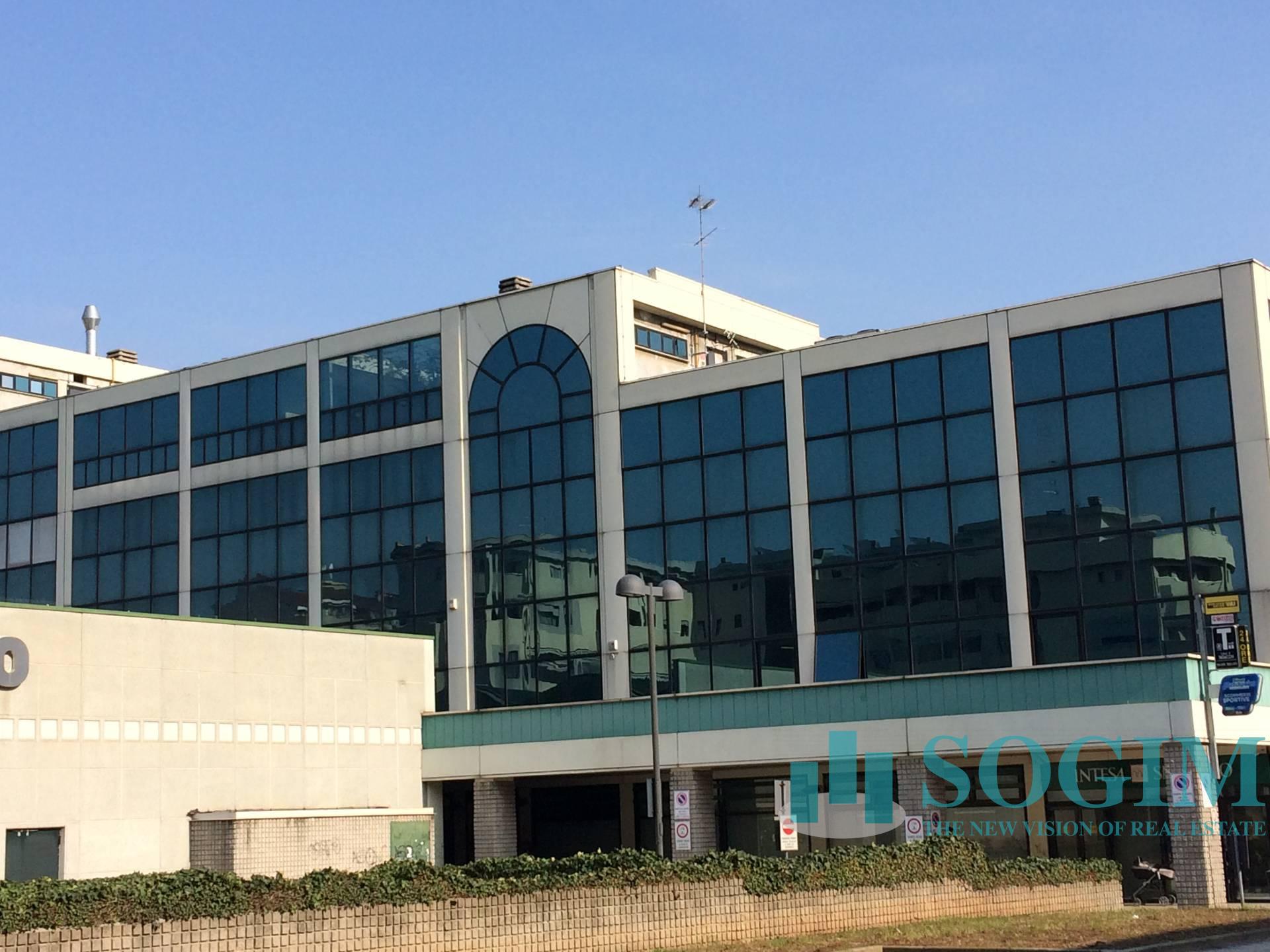Ufficio / Studio in affitto a Bresso, 9999 locali, prezzo € 3.000   PortaleAgenzieImmobiliari.it