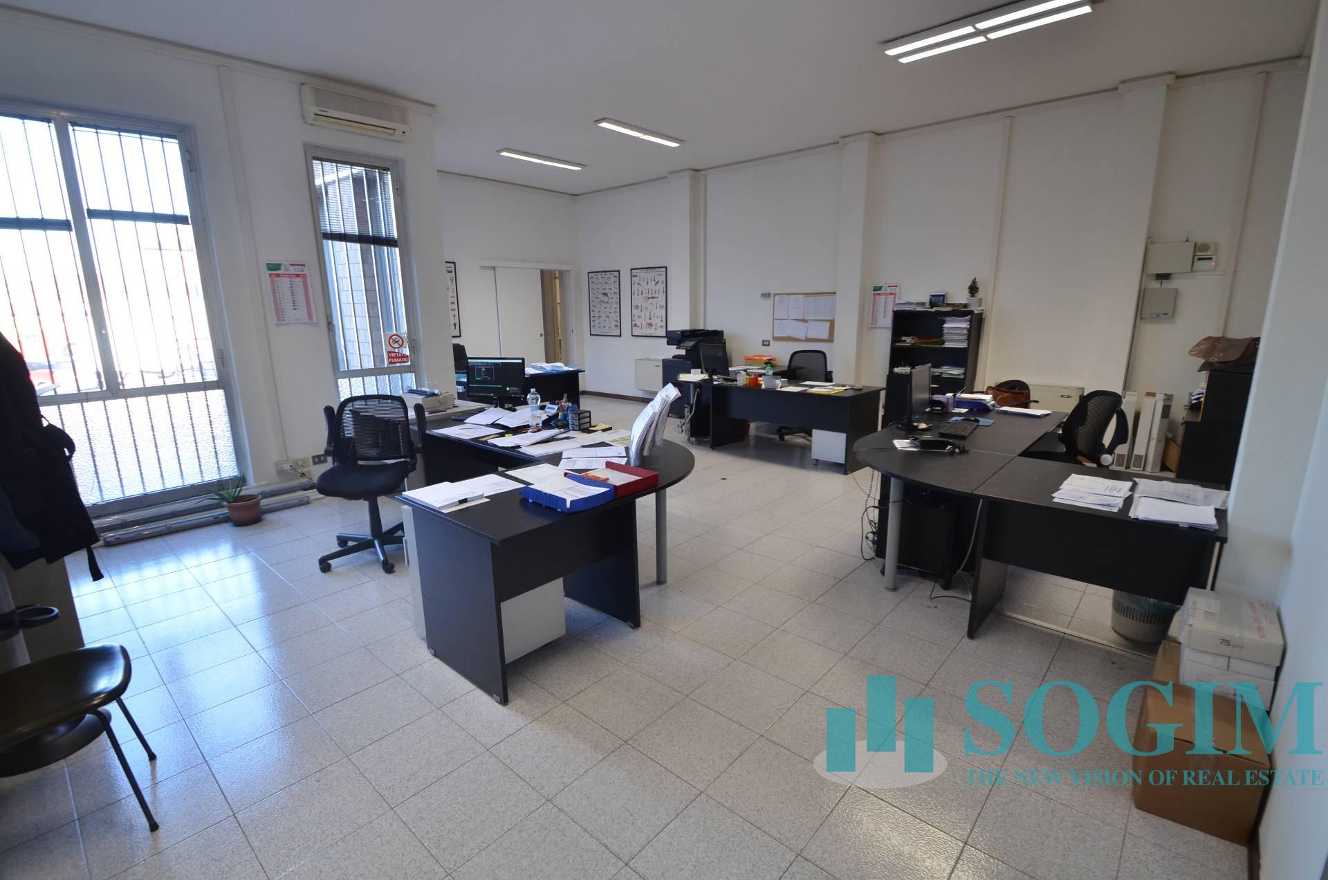 Capannone in Vendita a Paderno Dugnano  rif. 9545