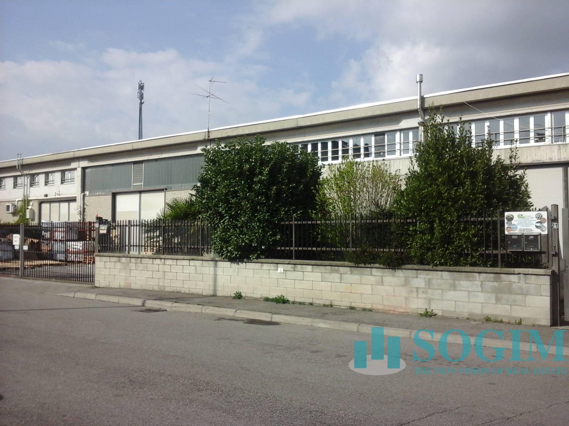 Capannone in vendita a Pogliano Milanese, 9999 locali, prezzo € 550.000 | PortaleAgenzieImmobiliari.it