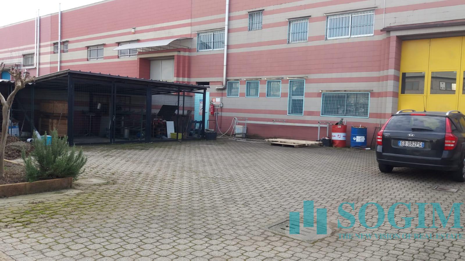 Capannone in vendita a Senago, 9999 locali, Trattative riservate | PortaleAgenzieImmobiliari.it