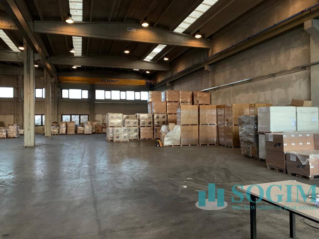 Capannone in vendita a Vernate, 9999 locali, prezzo € 470.000 | PortaleAgenzieImmobiliari.it