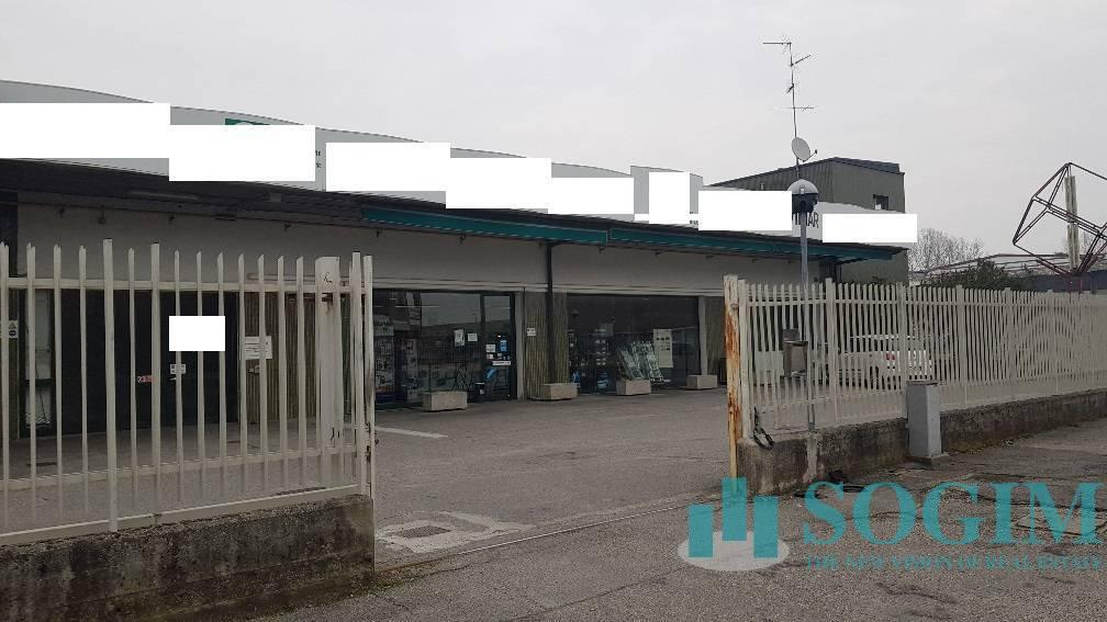 Immobile Commerciale in Affitto a Peschiera Borromeo  rif. 20386