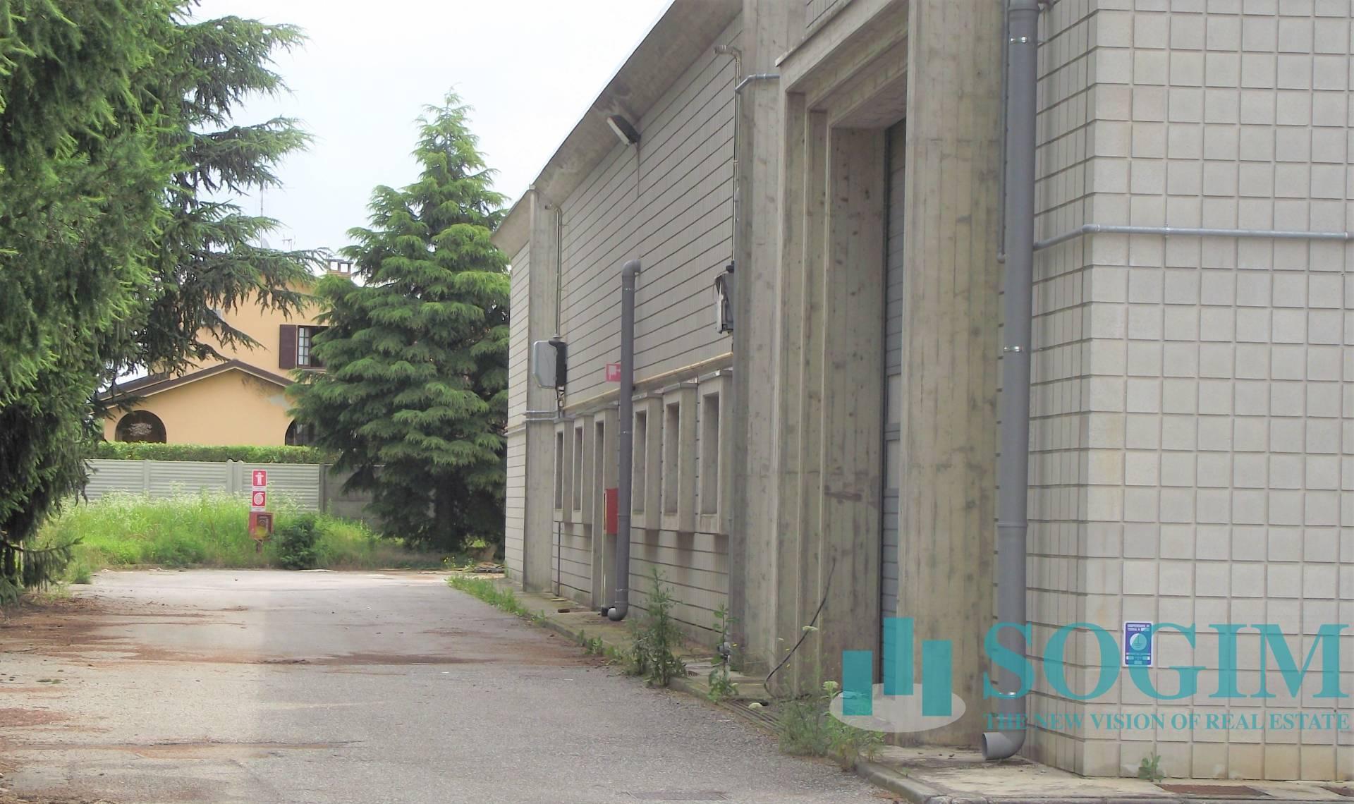 Capannone in Vendita a Biassono  rif. 20277