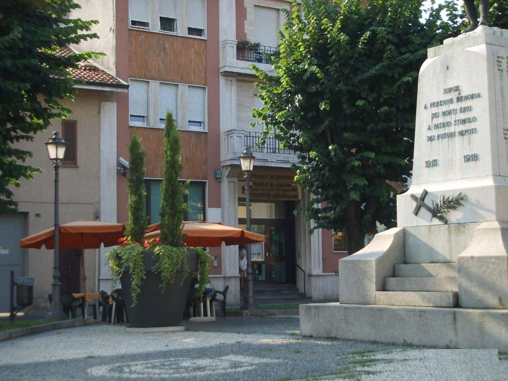 Immobile Commerciale in Affitto a Arluno   Rif. 20425
