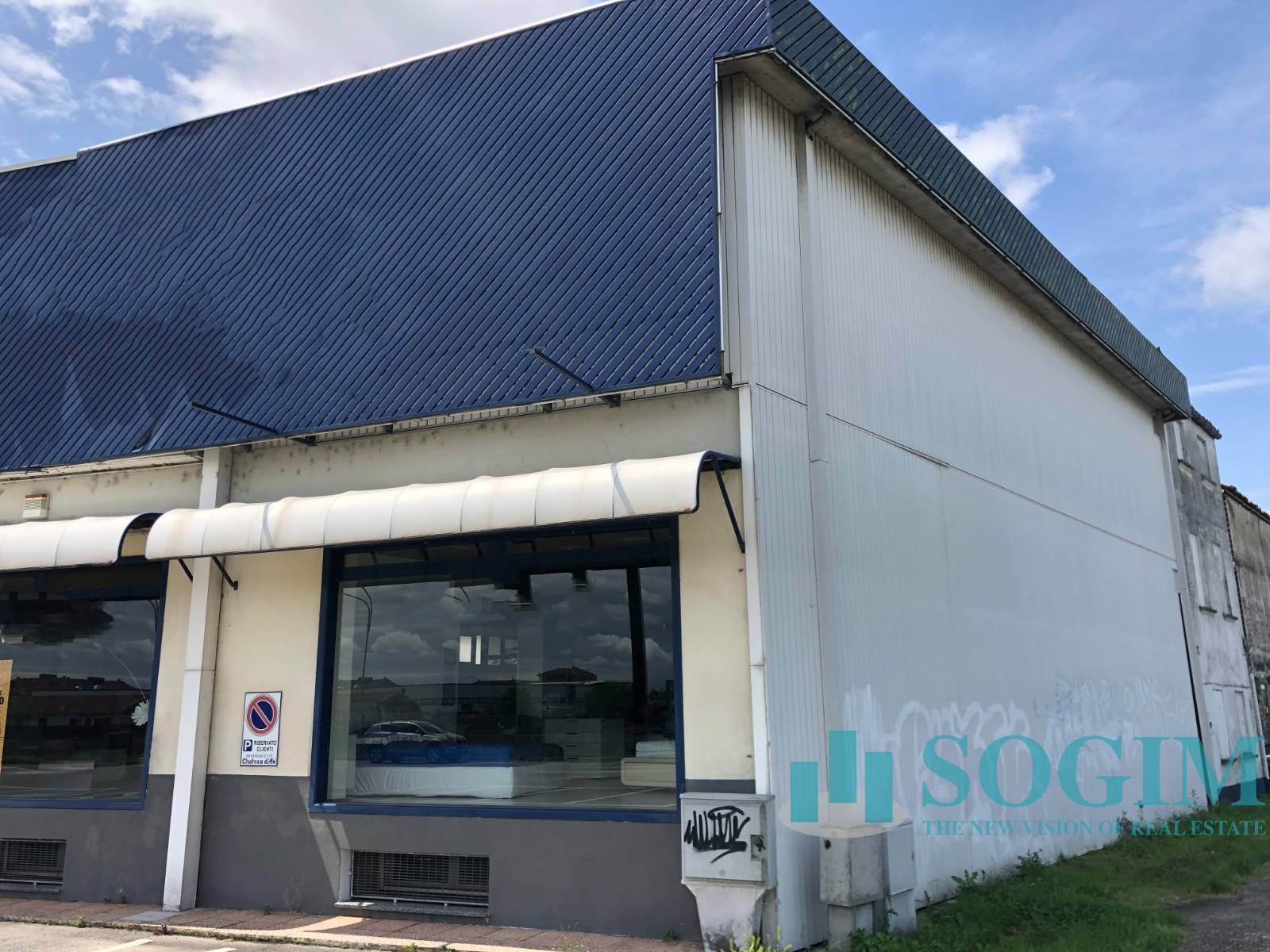 Immobile Commerciale in Affitto a   rif. 20335