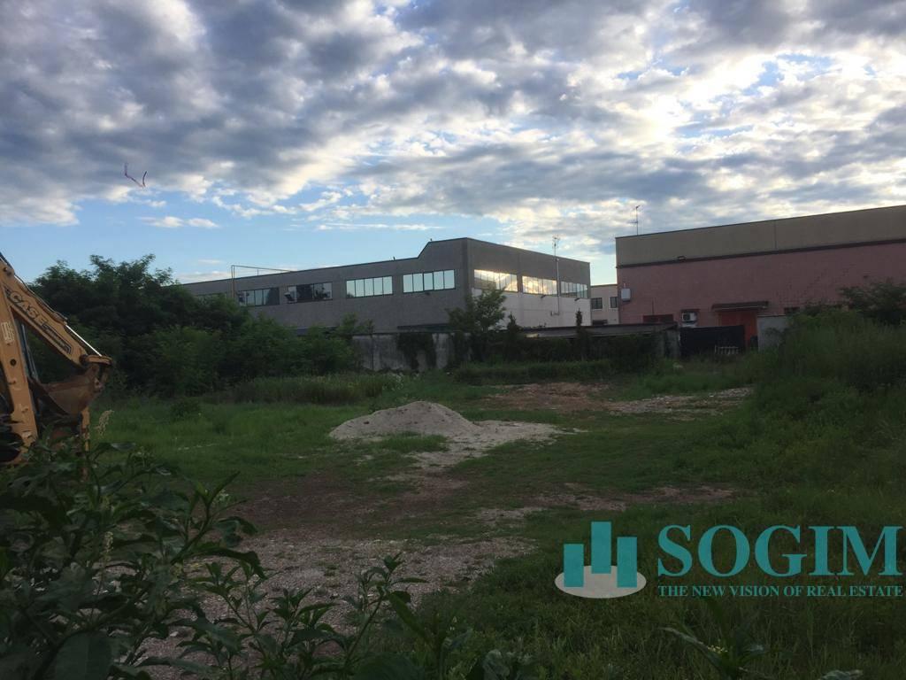 Terreno Industriale in Vendita a Corbetta  rif. 20537