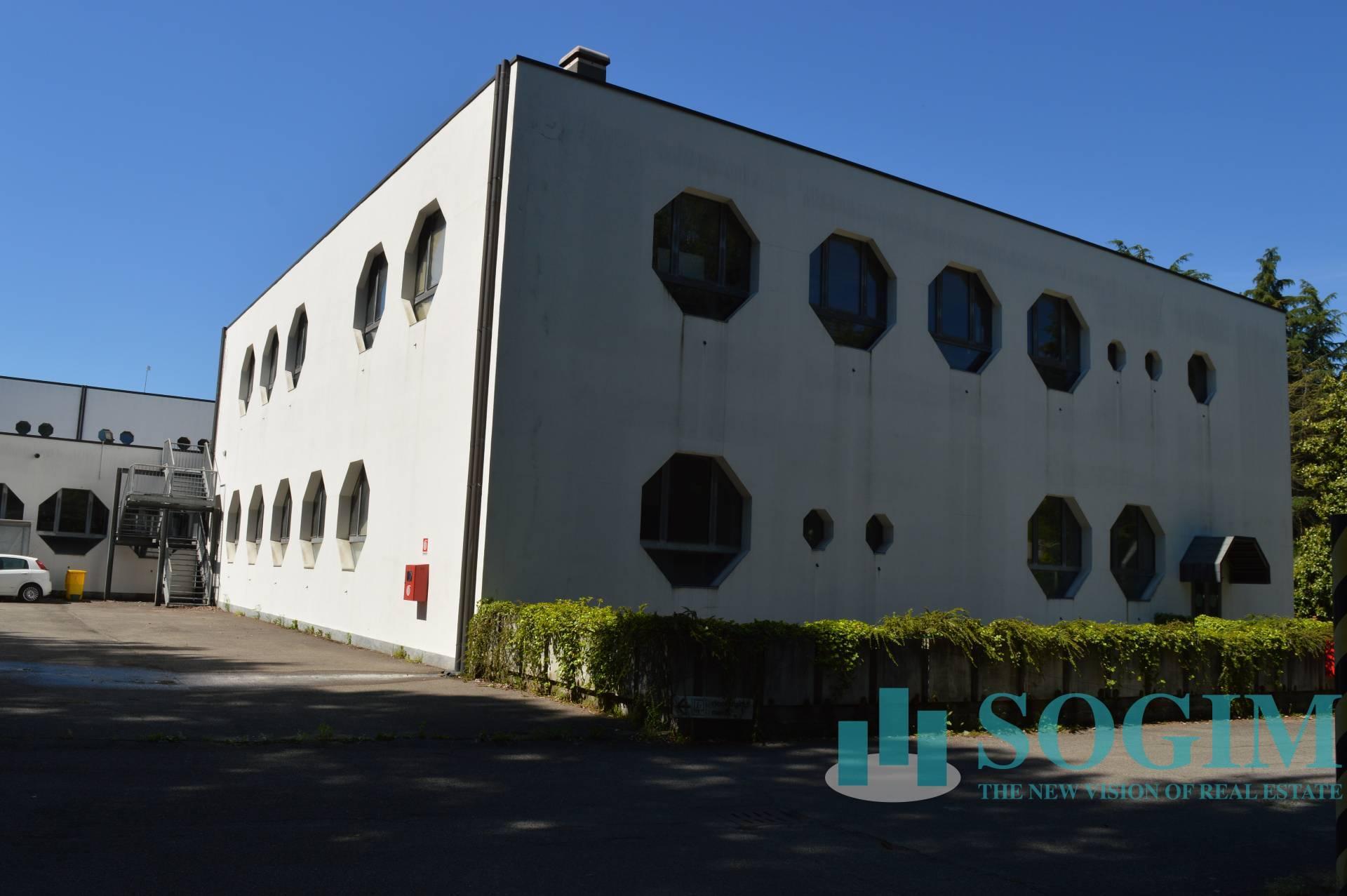 Capannone in affitto a Mariano Comense, 9999 locali, Trattative riservate | PortaleAgenzieImmobiliari.it