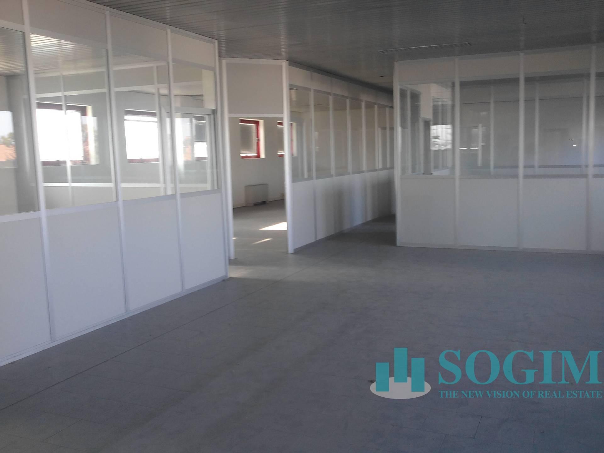 Ufficio / Studio in affitto a Cusago, 9999 locali, prezzo € 1.750   PortaleAgenzieImmobiliari.it