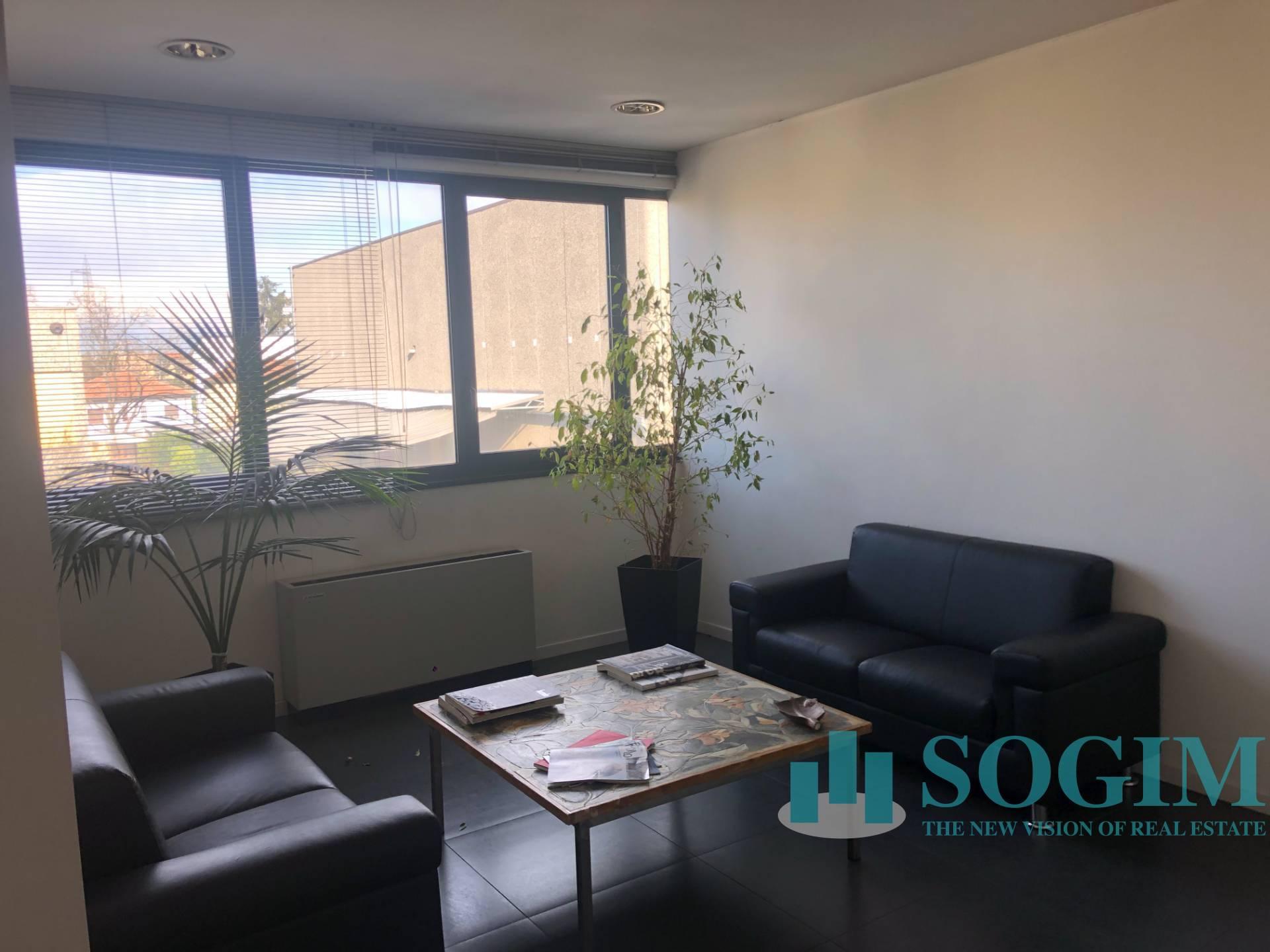 Ufficio / Studio in affitto a Pogliano Milanese, 9999 locali, prezzo € 2.000 | PortaleAgenzieImmobiliari.it