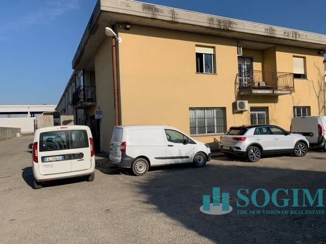 Capannone in vendita a Tribiano, 9999 locali, prezzo € 475.000 | PortaleAgenzieImmobiliari.it