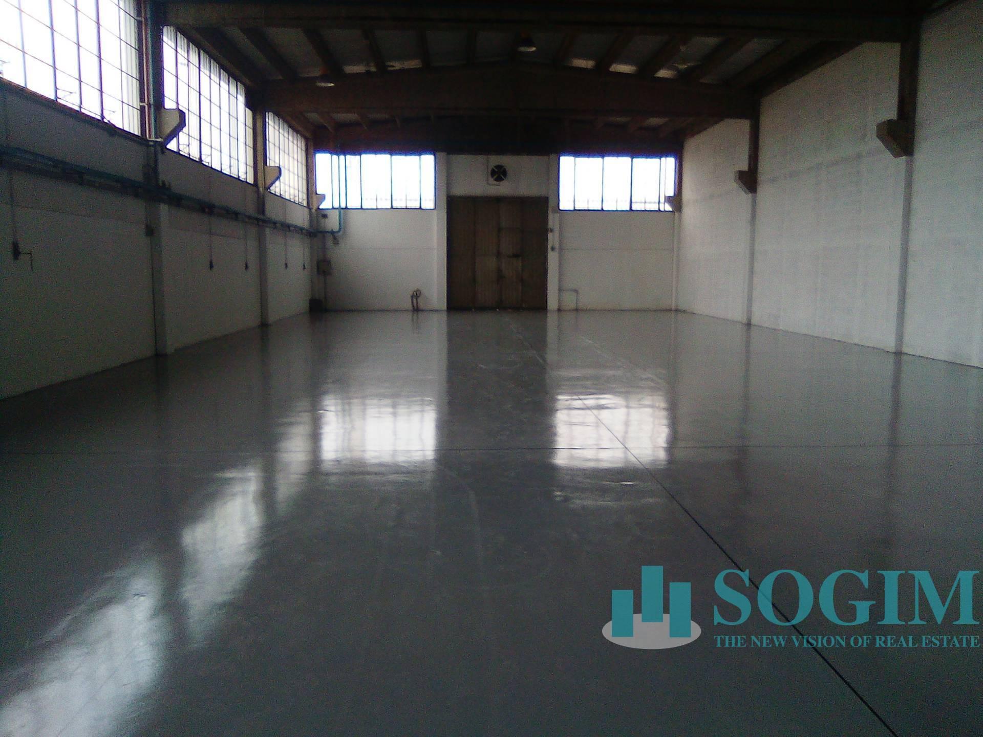 Capannone in affitto a Gaggiano, 9999 locali, zona Località: ViganoCertosino, prezzo € 4.583   PortaleAgenzieImmobiliari.it