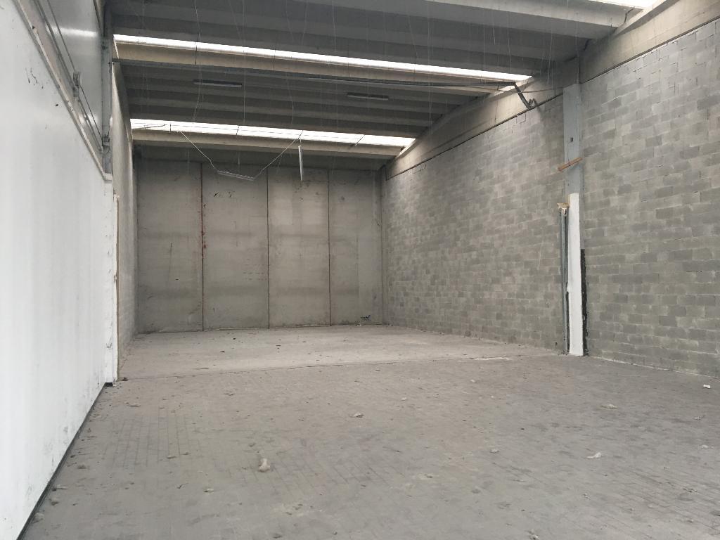 Immobile Commerciale in Affitto a Peschiera Borromeo  rif. 5856