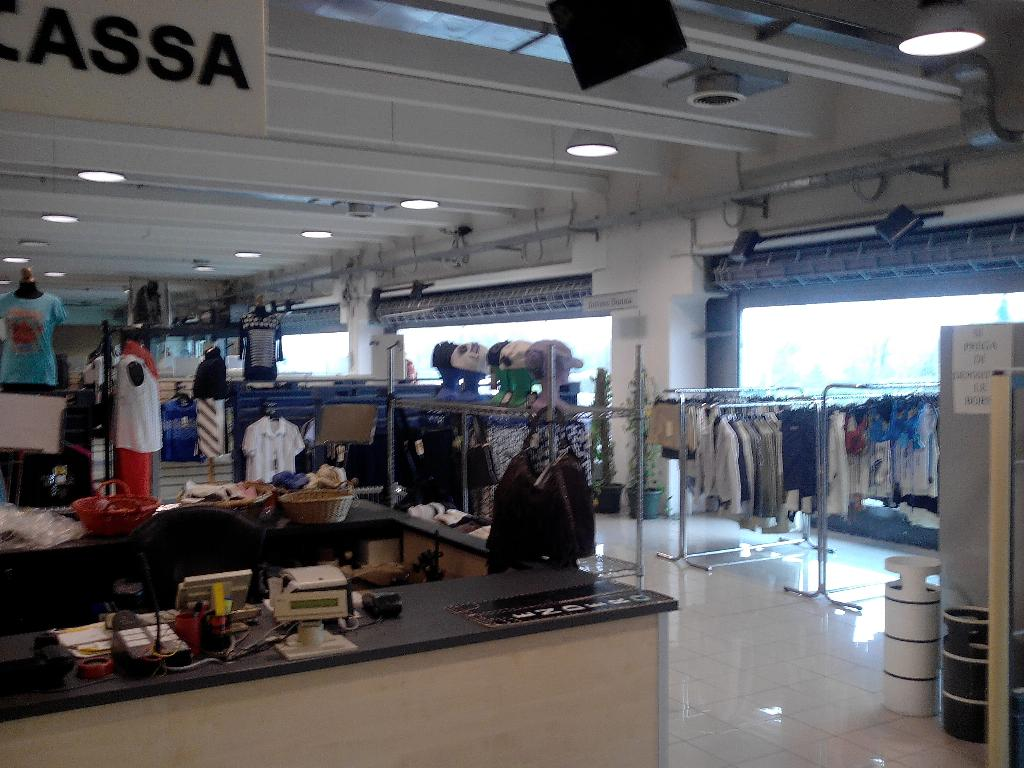 Immobile Commerciale in Affitto a Cusago  rif. 5975