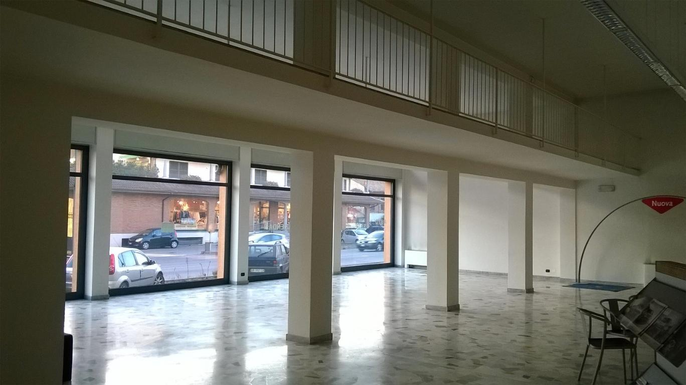 Immobile Commerciale in Affitto a Limbiate  rif. 6495