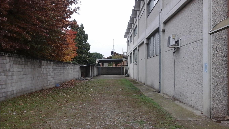 Capannone in Affitto a Mesero  rif. 5688