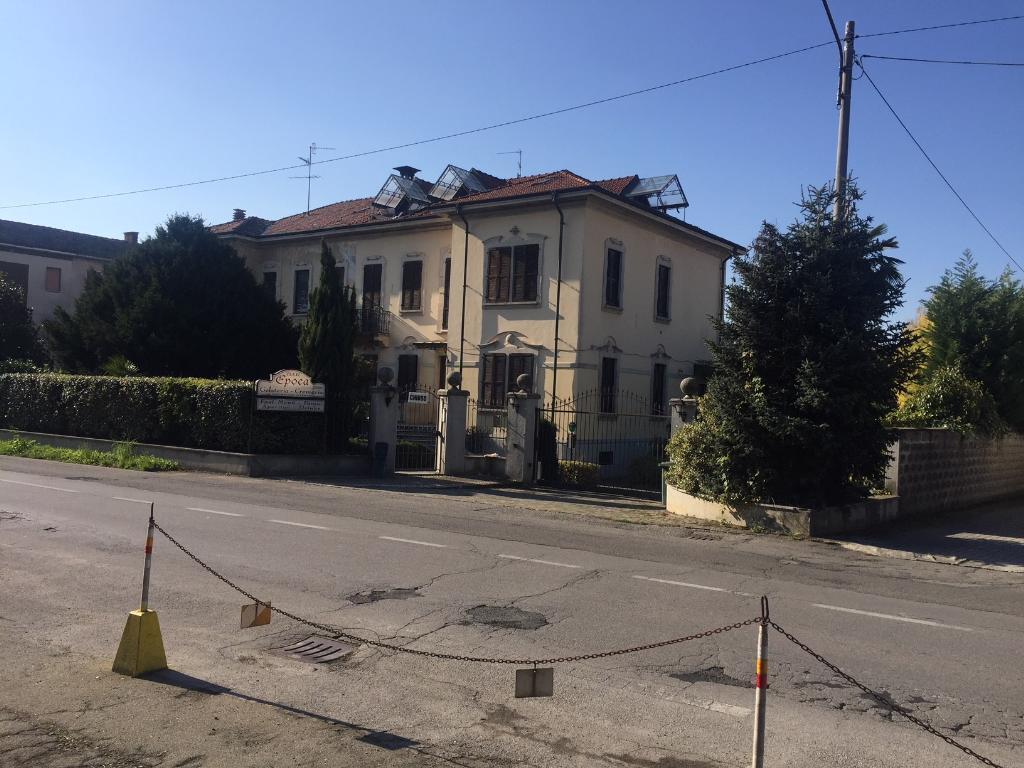 Negozio / Locale in affitto a Cabiate, 9999 locali, prezzo € 4.167 | PortaleAgenzieImmobiliari.it