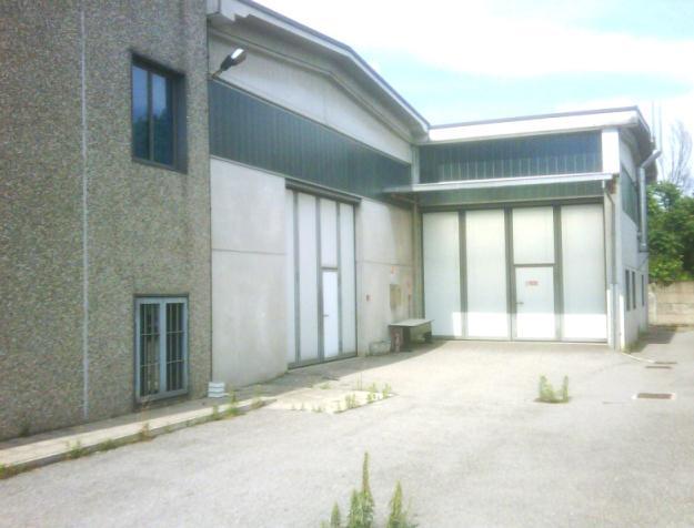 Capannone in Affitto a Corsico  rif. 4385