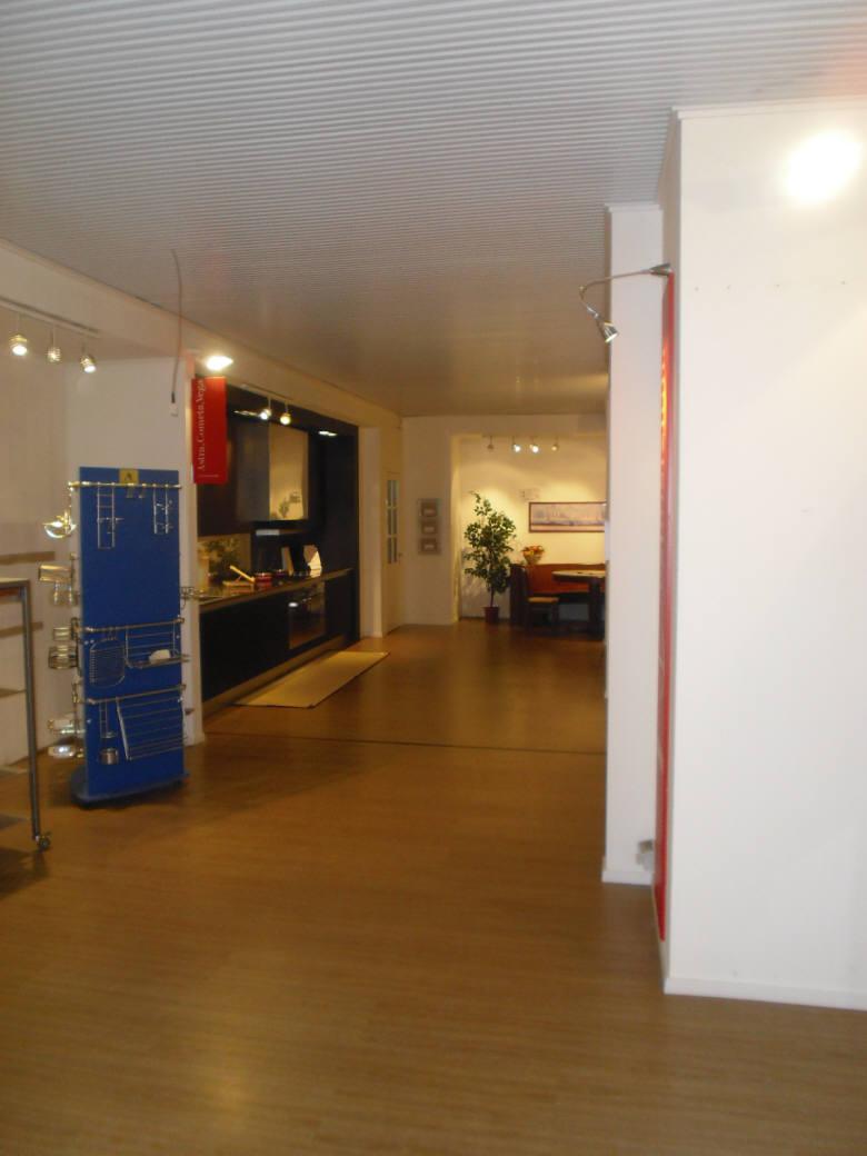 Immobile Commerciale in Vendita a Merone  rif. 956