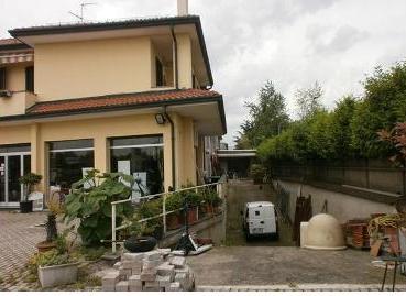 Capannone in Vendita a Canegrate  rif. 4087