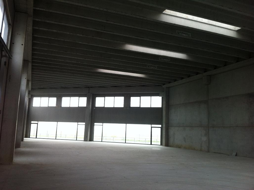Immobile Commerciale in Vendita a Romentino  rif. 4935