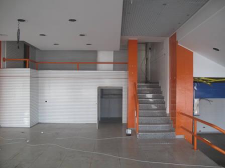 Immobile Commerciale in Vendita a Cantu'  rif. 971